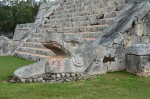 Kukulcan Chichen Itza spring equinox