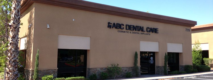 https://i0.wp.com/dentalimplantslasvegas.org/images/dental-implants-las-vegas-dentist-office.jpg?w=750&ssl=1