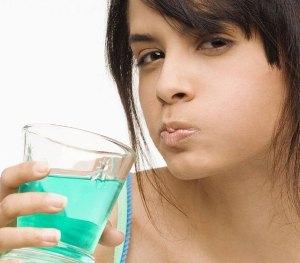 Почему после удаления зуба мудрости болит горло, отекают десны и «валит» температура? Парестезия (онемение) после удаления зуба.