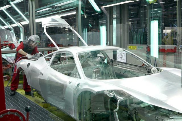 Cars Made of Steel, Aluminum, or Carbon-Fiber: The Pros & Cons