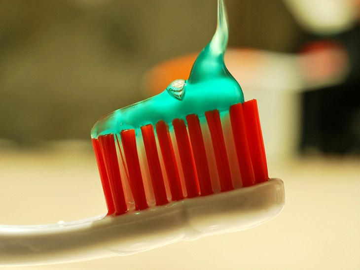 cuanto-cuesta-blanquear-los-dientes