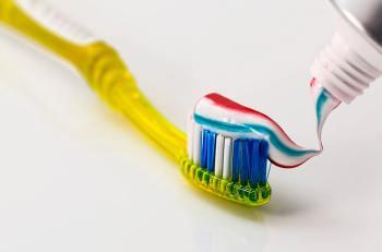 ventajas-y-desventajas-de-usar-pasta-de-dientes-sin-fluor