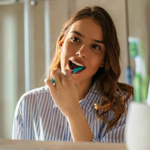 How To Keep Your Teeth Healthy During Quarantine