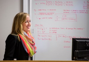 Marybeth Francis, DMD/PhD student at the University of Illinois at Chicago, talks to a TAMBCD audience on April 16.