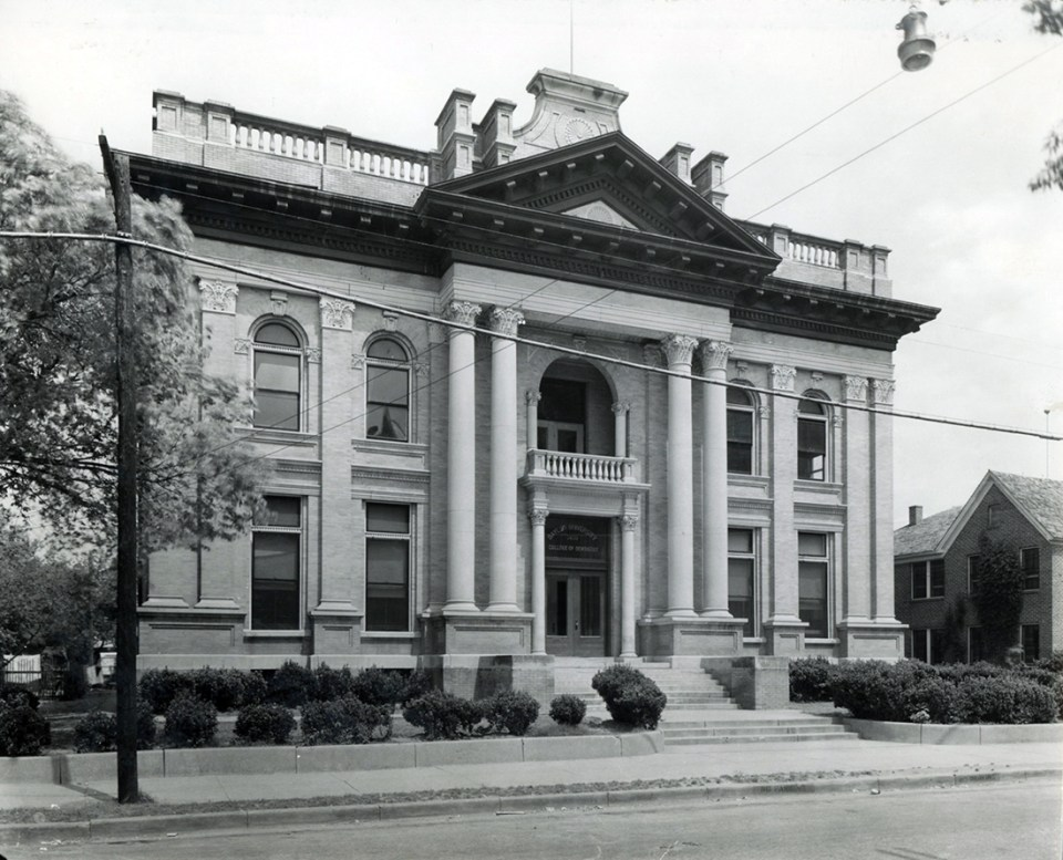 1420 Hall Street