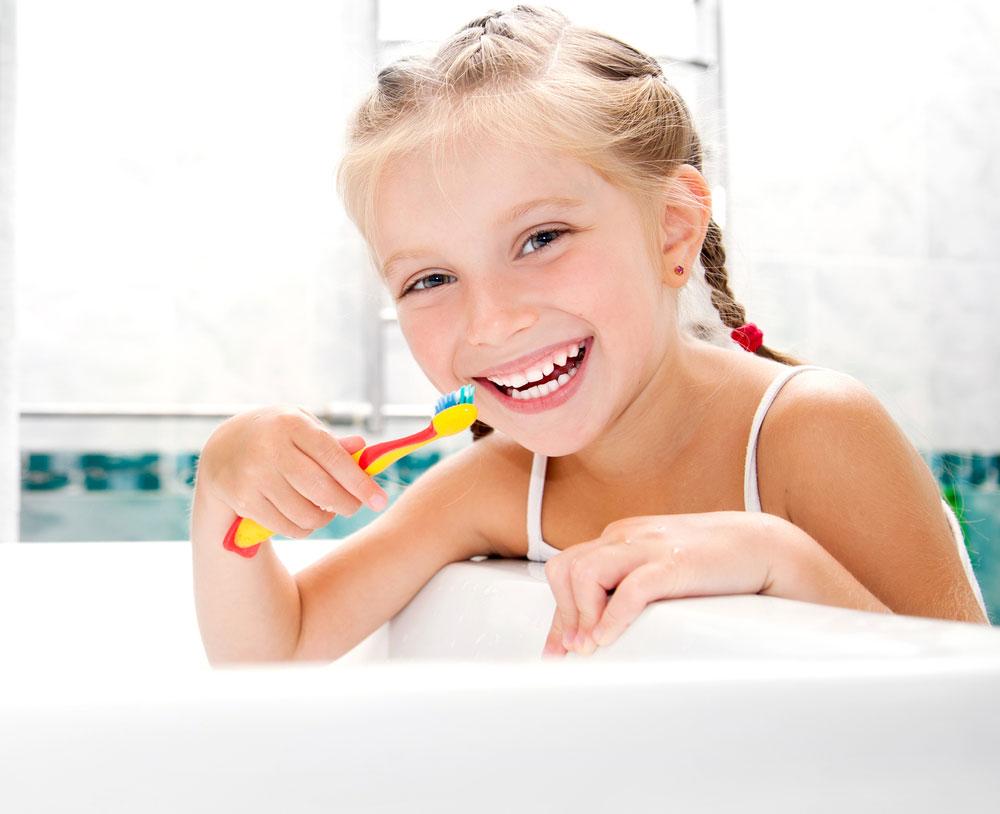 Child-brushing-teeth-1.jpg?fit=1000%2C814&ssl=1