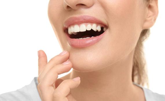 Missing-Tooth-Female-570-x-350.jpg?fit=570%2C350&ssl=1
