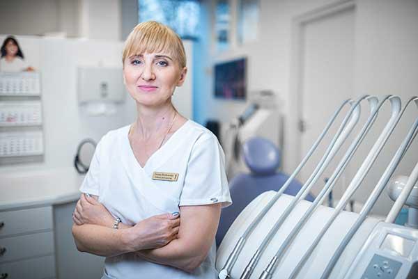 Iwona Kozłowska dentysta warszawa DENTYSTA WARSZAWA – DENTOKLINIKA IwonaKozlowska