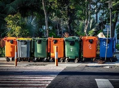 contenedores-reclamar-mas-servicios-de-limpieza-para-madrid