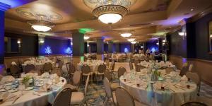 Downtown-Aquarium-Denver-Wedding-Denver-CO-4.14368275_main.1453509146