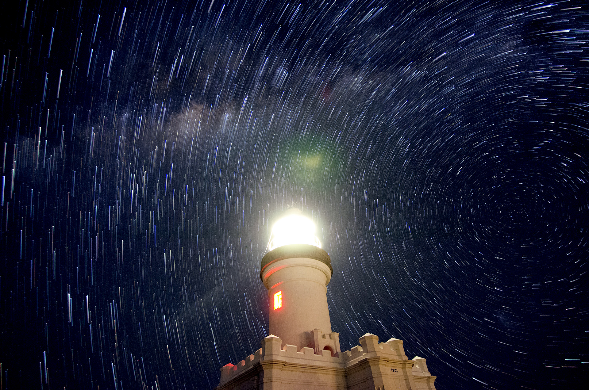 Black Hole Animated Wallpaper Star Trails Over Byron Bay Lighthouse Deography By Dylan