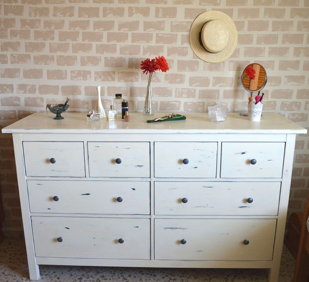Mueble Decapado Blanco Cómoda Hemnes Decapada En Blanco Departamento De Ideas