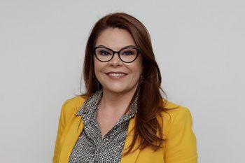 Elizangela de Paula Kuhn - Diretora Executiva-