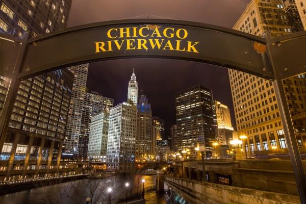 Chicago Riverwalk Restaurants