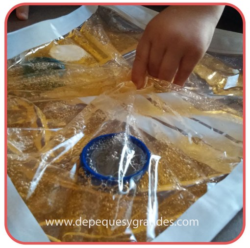 manipulando bolsa sensorial 1