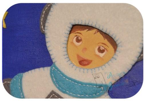 detalle cara y traje de astronauta