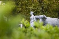 """Escultura """"Etxekoandre"""" (Irun)"""