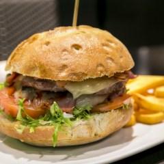 Blueberry, pintxos, hamburguesas, copas y buen ambiente en Irun