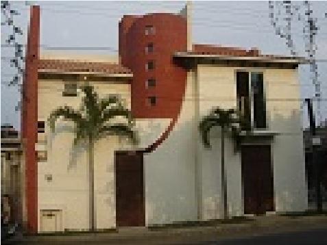 Casa Ahuatlan de dos plantas, cuatro dormitorios y 180 metros cuadrados