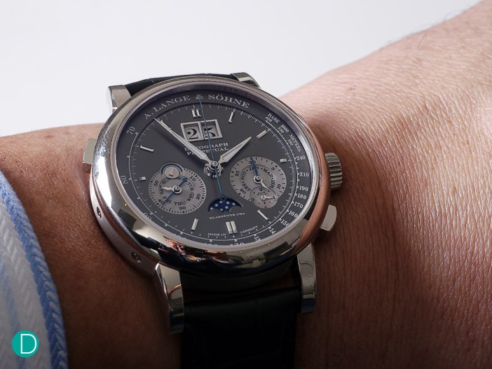On the wrist, the slate grey dial in combination with the warm glow of the white gold case is beautiful.