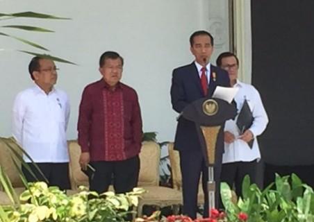 Presiden Jokowi mengumumkan reshuffle kabinet jilid II di Istana Negara