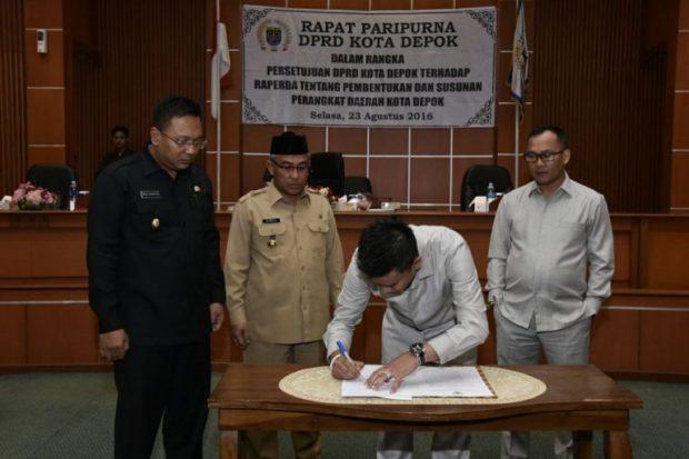 Pansus 3 DPRD menyampaikan laporan hasil kajian tentang Raperda susunan organisasi pemerintah daerah.
