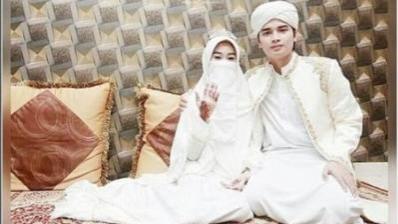 Ustaz Arifin Ilham menikahkan putra sulungnya yang masih berusia 17 tahun.