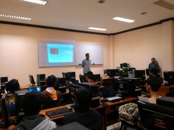 Kadisinfokom Depok membuka workshop dalam rangka Depicta 2016.