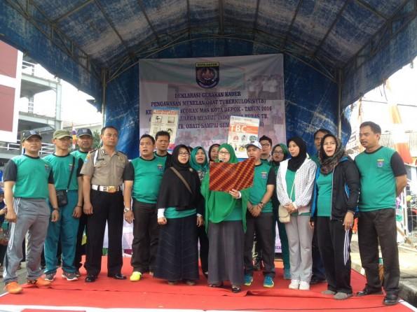 Deklarasi Kader Pengawasan Menelan Obat (PMO) Tuberkulosis (TB) Kecamatan Pancoran Mas, di Kampung Lio, Jum'at