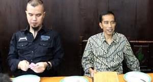 Presiden Jokowi bersama musisi Ahmad Dhani.
