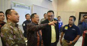 Kapolri Tito Karnavian berdialog bersama Wakil Walikota Depok Pradi Supriatna di Mapolresta Depok.