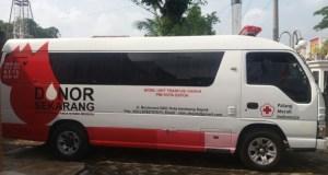 Mobil unit PMI Kota Depok.