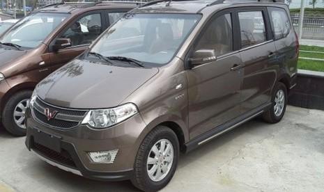 Inilah MPV Wuling, mobil asal Cina yang meramaikan pasar otomotif Indonesia.