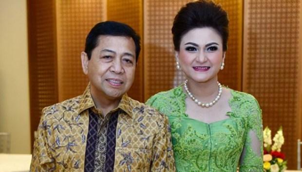 Setya Novanto bersama istri, Deistri Tagor.