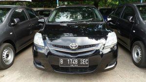 Toyota Vios Limo dijual murah. Tidak sampai Rp 100 juta.