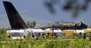 Pesawat militer Aljazair jatuh menewaskan 257 orang penumpangnya.