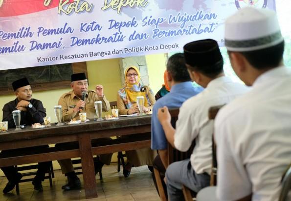 Pemkot Depok memberikan pendidikan politik kepada pemilih pemula.