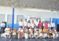 Entrega Rafael Mendoza reconocimientos a mujeres destacadas de Cuauhtémoc