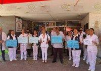 Por COVID-19, personal del Hospital de Tecomán protestan por no contar con equipo de protección