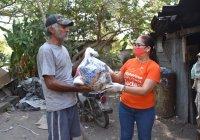 Azucena López Legorreta agradece a Delamo Grupo Constructor, donación de 500 despensas