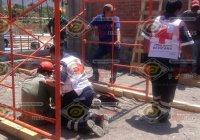 Sufre caída trabajador de la construcción, en la obra del Bachillerato Benito Juárez en Armería
