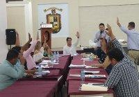 Presidente de Cerro de Ortega reta a alcalde de Tecomán y a regidores a donar su sueldo