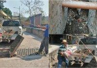 Por instrucción del alcalde Carlos Carrasco se limpia alcantarillas y colectores pluviales en Ixtlahuacán