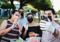 Regidores de VdeA entregan más de 2 mil cubrebocas a la población para su protección