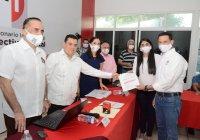 Unidad y cohesión, pide José Manuel Romero al registrarse para dirigir al priismo en Colima