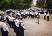 Policías municipales de Colima reciben incentivo económico.