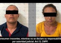 Detienen a pareja y les aseguran droga, en la colonia Cofradía de Juárez, en Tecomán
