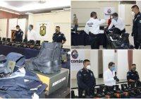 Elías Lozano entrega material y equipamiento a policías de Tecomán con recurso de FORTASEG 2020
