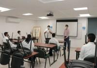 Contentos, alumnos regresan a sus aulas