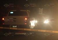 Localizan el cadáver de un hombre al interior de una camioneta en El Colomo; fue asesinado a balazos